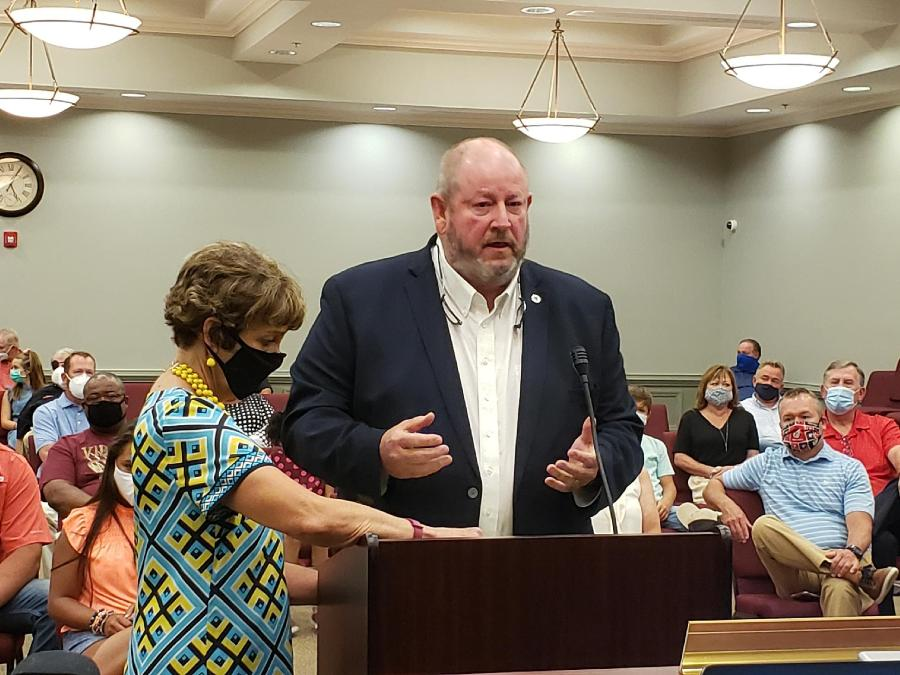 Mayor Ronnie Dixon Honored at Meeting
